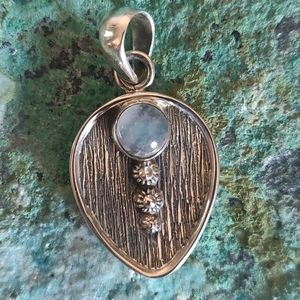 Jewelry - Moonstone Sterling Silver Pendant